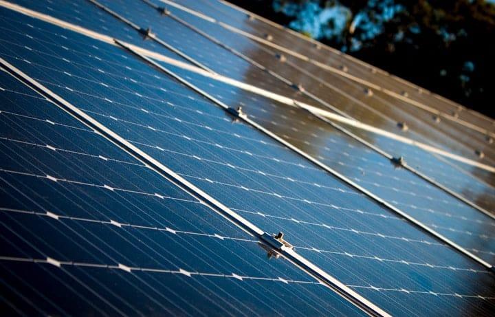 Voordelen van een warmtepomp met zonnepanelen / zonnecollectoren